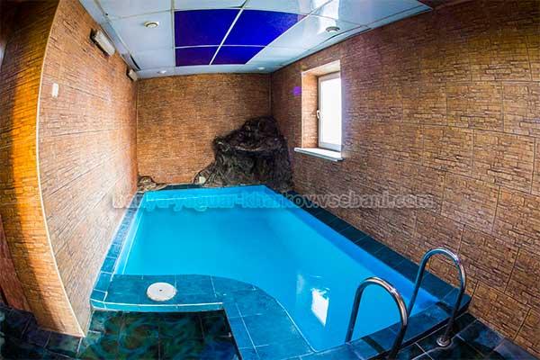 Баня Ягуар - внутренний бассейн